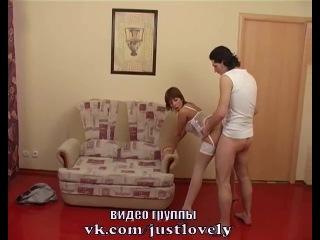 Секс с сексуальной молодой русской девушкой в чулках
